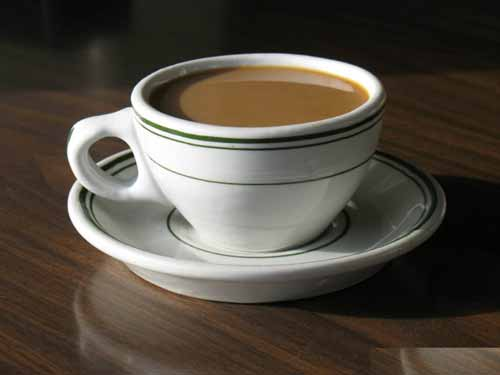"O certo é ""a cup of coffee"" ou ""a coffee cup""?"