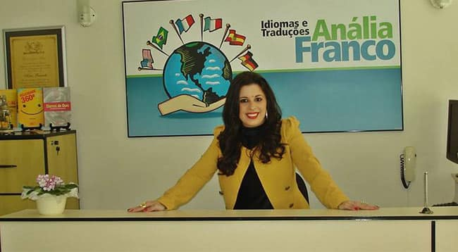 Tradutora e professora de inglês Kátia Brunetti.