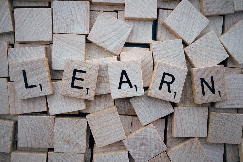Quais são as vantagens de aprender inglês? [Pesquisa e Opinião]