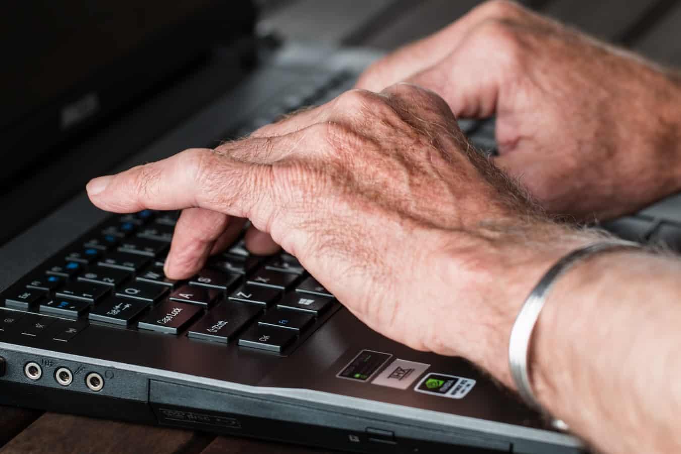 escrevendo e-mails em inglês
